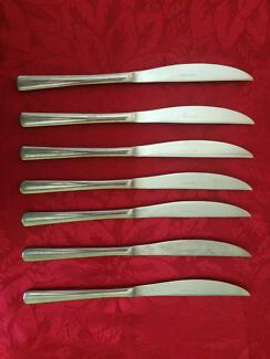 Set of dinner knifes (7 piece) $2 for the set