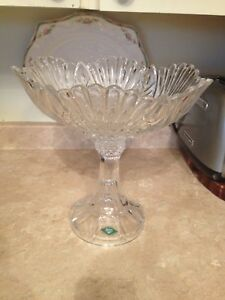 Heavy Crystal bowl like new condition.