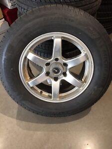 4 mags avec pneus d'hiver 18 pouces