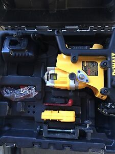 DeWalt DW073 18v cordless rotary laser Edge Hill Cairns City Preview