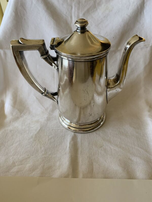 VINTAGE INTERNATIONAL SILVER 16 OZ COFFEE POT RAILROAD DINNING CAR
