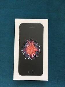 Brand New Unlocked iPhone SE 16gb Space Grey