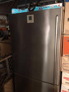 electrolux fridge freezer 510l ebe5100