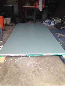 4 4x8 sheets of 1/2 inch green drywall