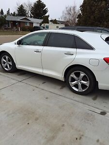 2009 Toyota Venza touring full load.