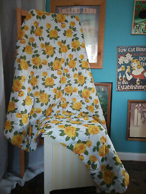 Vintage Topper Quilt Eiderdown with Yellow Roses 60
