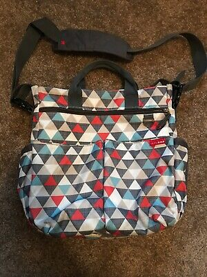 SKIP HOP Triangle Diaper Baby Bag With Loads Of Pockets/Storage!  Super Clean!!