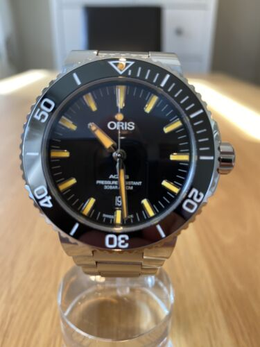 Oris Aquis Date With Orange Dial 2019 (43.5mm) - watch picture 1