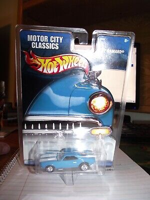 Hot wheels 1/64 Motor city classics 67 camaro blue NIB