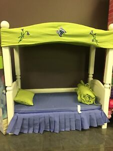 Maplea - Bed Set with Canopy