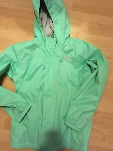 Brand new North Face lined jacket size 14/16 girls
