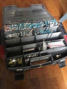 Boîte à outils double portes