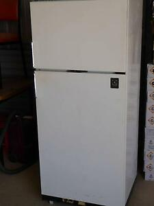 Fridge...Electrolux...LPG...Electric... Morgan Mid Murray Preview
