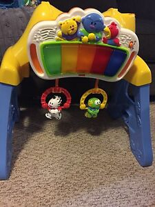 Fisher Price Musical kick stand