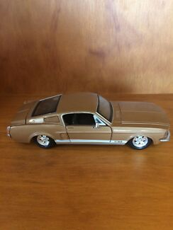 Ford Mustang 1967 GT Model Car