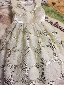 Gorgeous toddler dress size 04 new