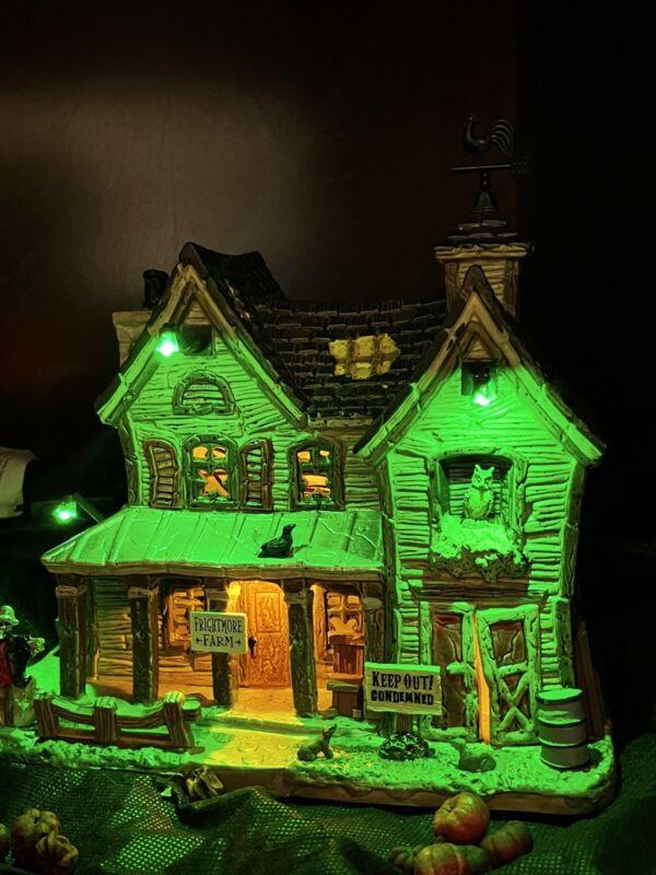 "RARE VHTF Lemax Spooky Town Halloween ""Freightmore Farm"" NIB Lighted Farmhouse"