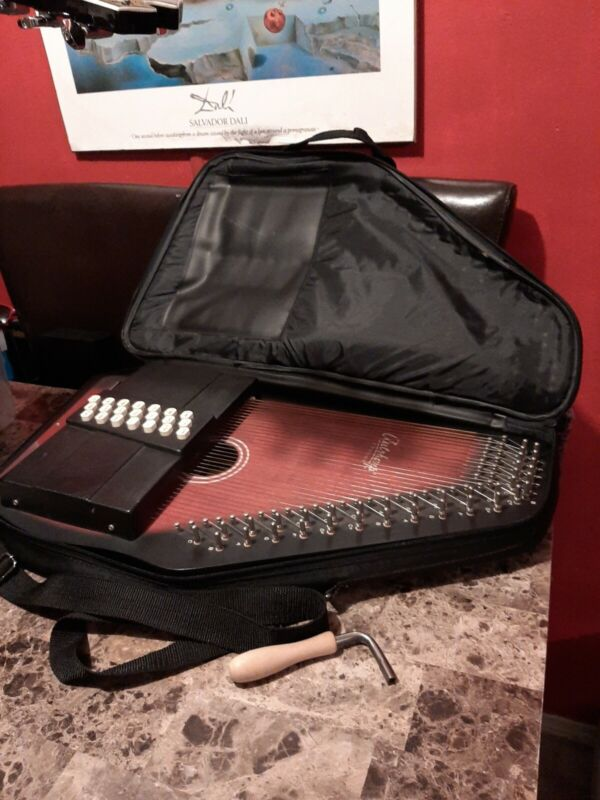 Oscar Schmidt OS21C 21 Chord Classic Autoharp with Case And tuning wrench