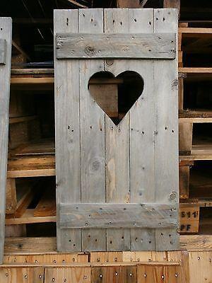 Fensterladen Shabby chic mit Herz Unikat  Palettenholz gebeizt für Haus + Garten