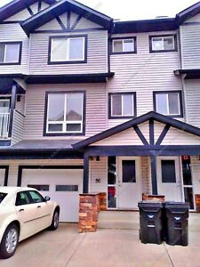 BEAUTIFUL 3 BDRM CONDO TOWNHOUSE W GARAGE IN SHERWOOD PARK