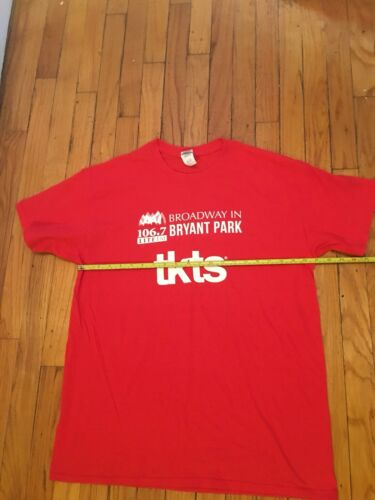 Broadway In Bryant Park 106.7 Lite FM Shirt L TKTS New York NYC NY Show Musical - $29.99