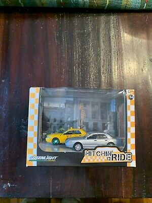 Greenlight Brand Toy Car Dioramas Hitchin' a Ride GREEN Machine Chase Taxi
