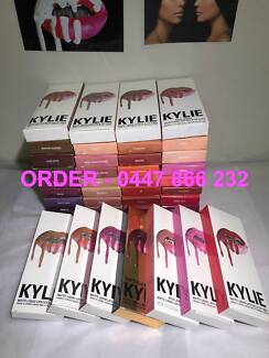 Kylie Cosmetics - 2PC LIP KIT - OVER 30 COLOURS TO CHOOSE FROM