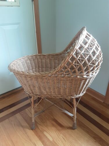 VINTAGE NATURAL WICKER BABY BASSINET LOCAL NY PICKUP ONLY