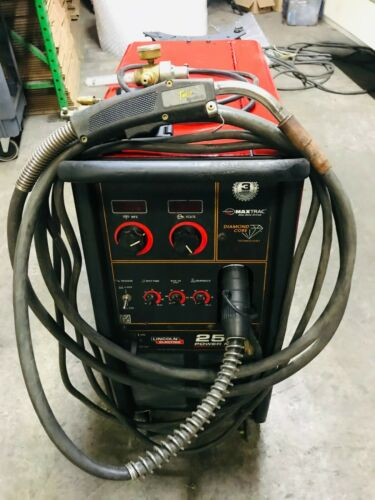 LINCOLN Power MIG 256 Welder  (208/230/1/60) K3068-1