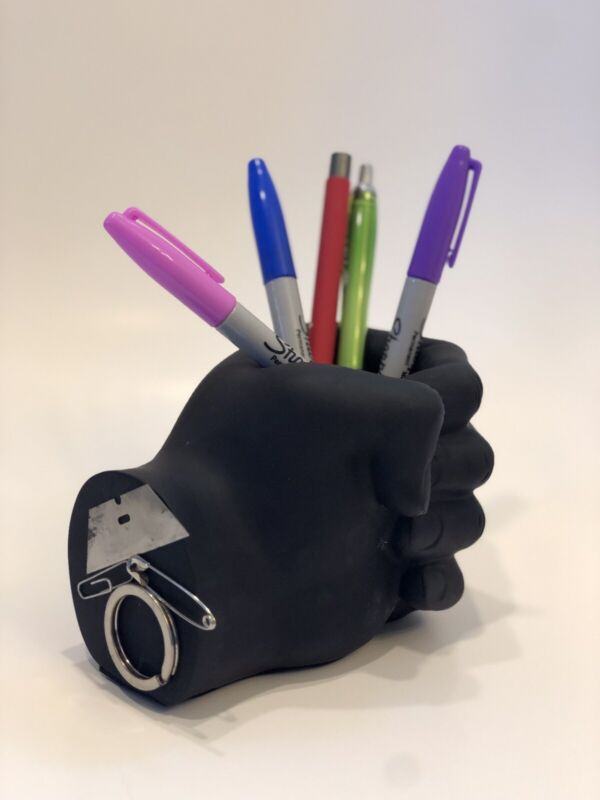 🍎 Black Magnetic Hand 🧲 Pen Holder ✏️ 📎
