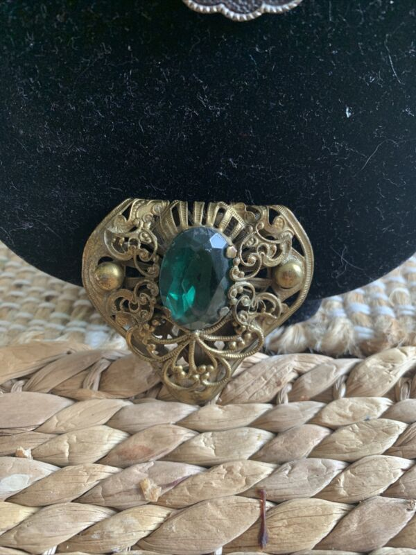 Beautiful Vintage Gold Tone Green Rhinestone Shoe or Dress Clip. Exquisite