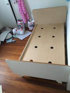 Single bed from Domayne (Frankie style), white, good condition