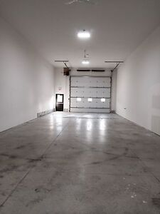 Commercial space 2000sqf
