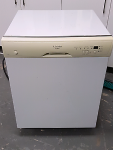 Dishwasher for sale Worongary Gold Coast City Preview