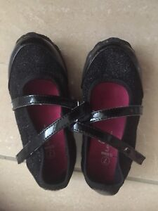 Girls Shoes Size 7 $5 Nice Black Shoes