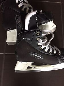 Never worn Itec Bauer size 5R