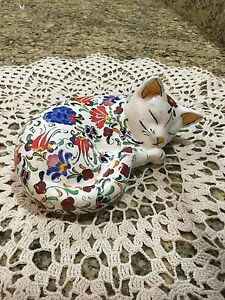 From Turkey, a Birlik hand painted cat