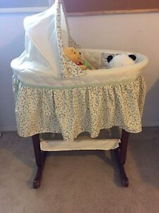 Mint condition Safety 1st solid wood bassinet