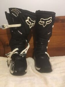 Men US size 11 fox adult comp 5 boots only worn a few times