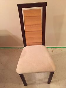 Dining table and 4 chairs Cambridge Kitchener Area image 1