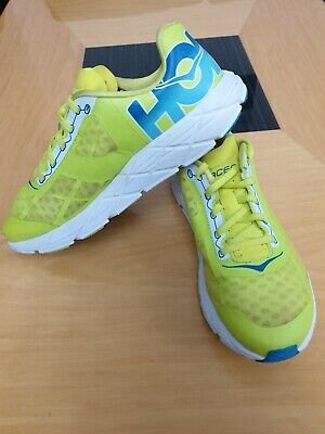 HOKA ONE ONE (TRACER) MENS LIGHTWEIGHT RUNNING TRAINERS- UK SIZE 6.5 MINT!