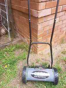 Ozito push reel mower North Manly Manly Area Preview