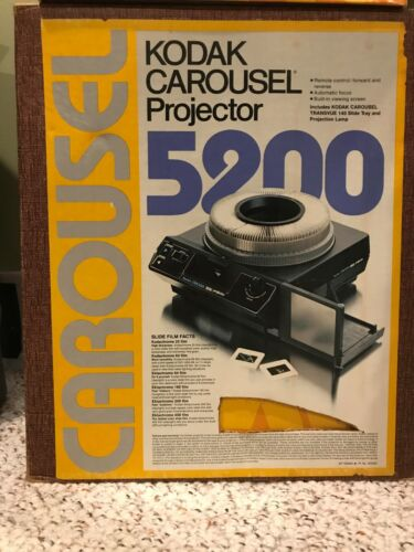 Kodak 5200 Slide Carousel Projector with Ten Slide Trays