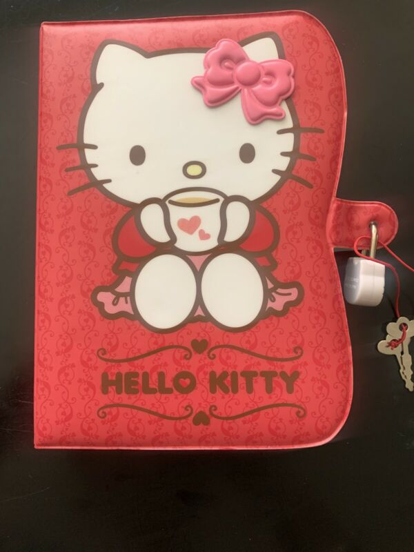 NEW w/defects Sanrio Hello Kitty Padded Diary Journal W/Lock & Key
