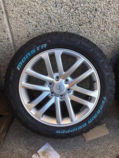 "4X Toyota hilux SR5 style 20"" wheels & Monsta all terrain"