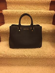 Gorgeous Michael Kors Bag in Mint Condition