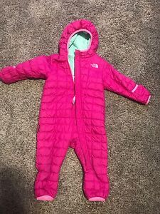 Northface 12-18 month Thermoball Bunting