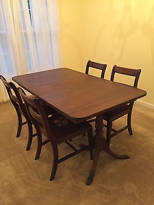 Duncan Phyfe Dining Table with 4 Chairs