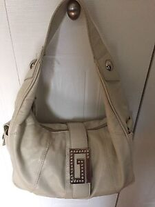 GUESS PURSE (cream/beige)
