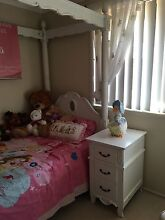 4 Poster Bedroom setting Shellharbour Shellharbour Area Preview